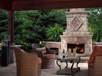 Outdoor Fireplace and Kitchens by Peeler Pools of North Florida